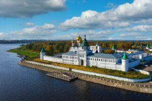В Ипатьевском монастыре обнаружили незаконную стройку